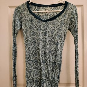 Damask pattern top women's small